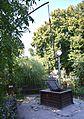 Poltava Soborna Square 3 Mansion of I.Kotlyarevskiy Draw Well (YDS 6256).jpg