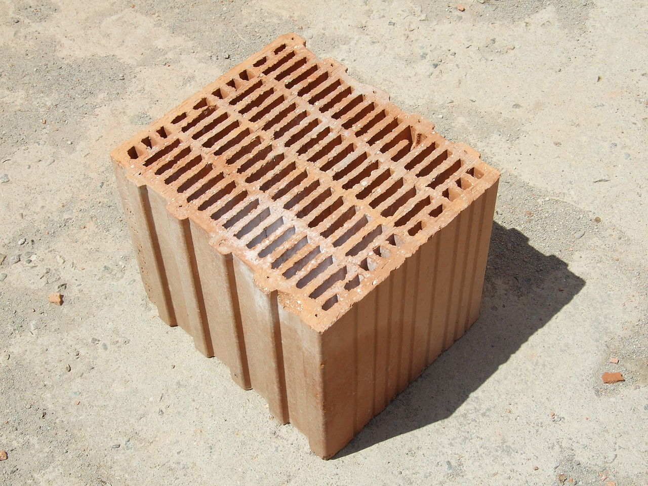 File porotherm style clay block brick angle for Brick types and styles