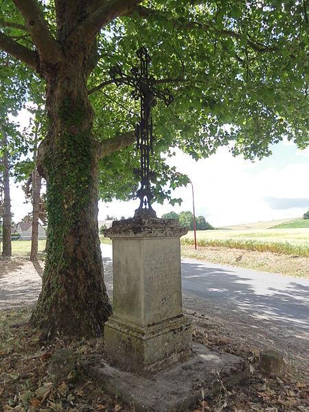 Prouvais (Aisne) croix de chemin