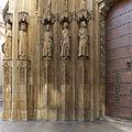 Puerta de los Apóstoles. Catedral de Valencia.jpg
