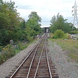 Bordeaux Railway Bridge - Image: QC CP 20020904 172457 Voies En Opposition Ile Perry