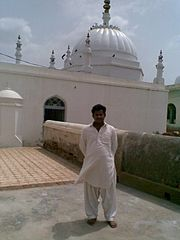 Qadeer Mangrio at Grohar Sharif 3.jpg