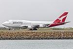 Qantas (VH-OEG) Boeing 747-438(ER) departing Sydney Airport.jpg