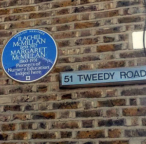 Margaret McMillan - Rachel and Margaret McMillan plaque, Bromley.