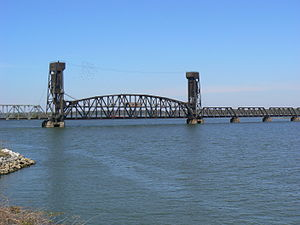 Norfolk Southern Tennessee River Bridge - The bridge as seen from the east.