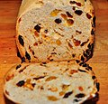 Raisin bread (4198418080).jpg