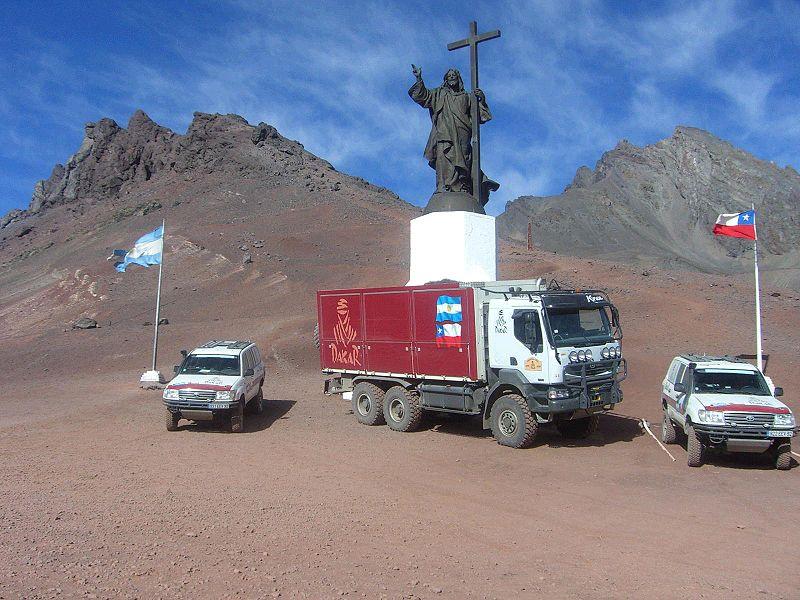Archivo:Rally Dakar 2009 Cristo Redentor cordillera de los Andes.jpg