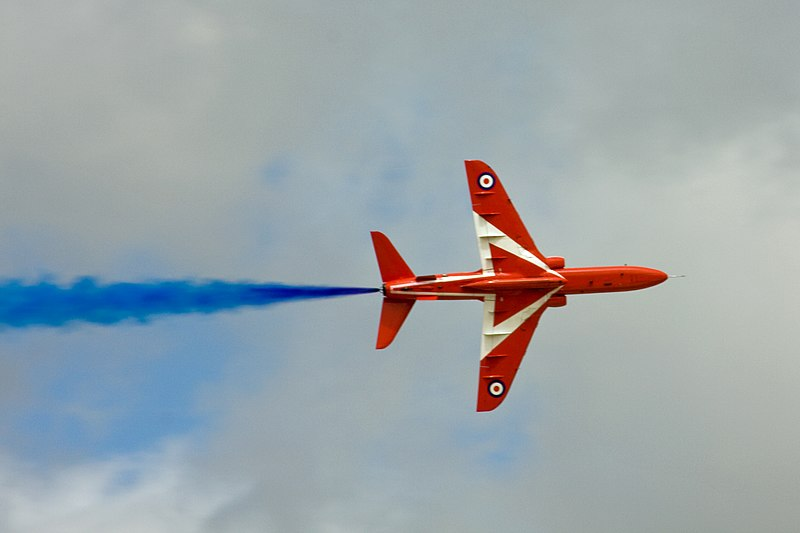 File:Red Arrows 20 (3756507654).jpg