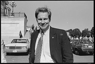 Tom Davis (Virginia politician) - Davis outside the east front of the Capitol in 1997