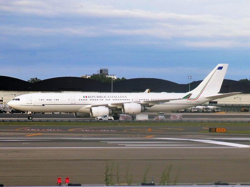 File:Repubblica Italiana (Aeronautica Militare) Airbus A340-542 I-TALY parked at JFK Airport.jpg