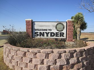 Snyder, Texas - Image: Revised photo, Snyder, TX, welcome sign IMG 1766