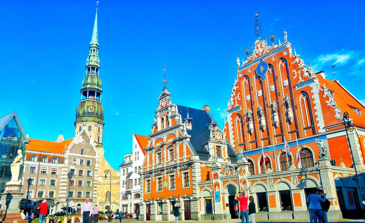 1200px-Riga_-_2014_European_Capital_of_Culture_%28Latvia%29.jpg