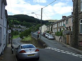 Road junction in Nant-y-Moel - geograph.org.uk - 934099.jpg