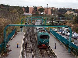 Servizi ferroviari suburbani di roma wikipedia - Gemelli diversi wikipedia ...