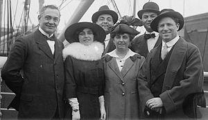 Luca Botta - From left to right : Vincenzo Reschiglian, Rosina Galli, Luca Botta, Galli's mother, unknown man, and Giovanni Martinelli.