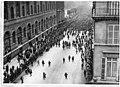 Rue de Rivoli, défilé du Bataillon américain, 4 juillet 1917 - Paris 01 - Médiathèque de l'architecture et du patrimoine - APZ0003582.jpg