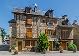 Rue de la Traverse in Sainte-Eulalie-d'Olt 03.jpg