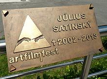 https://upload.wikimedia.org/wikipedia/commons/thumb/5/51/Satinsky_art.jpg/220px-Satinsky_art.jpg