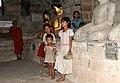 Shite Thaung-Mrauk U-20-Umgang-Buddhas-Kinder-gje.jpg