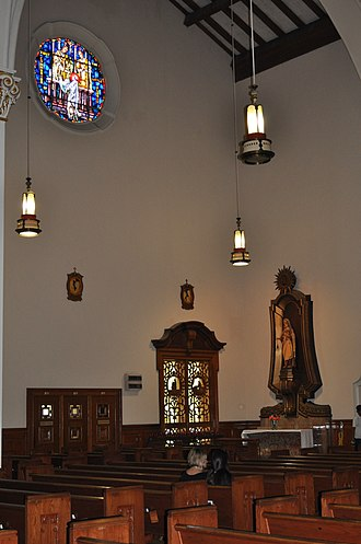 Church of the Little Flower (Coral Gables, Florida) - Image: Side altar in Church of the Little Flower