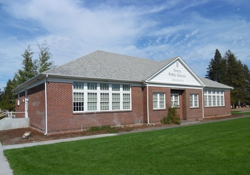 File:Sisters High School (south facade), Sisters, Oregon.jpg