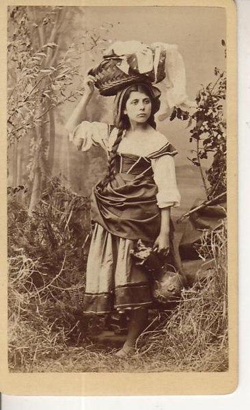 File:Sorgato, Antonio (1825-1885) - Ragazza veneziana, datato 1871.jpg