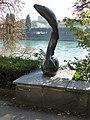 Springender Salm, Bronze, 1940, Solitude Promenade Basel. Von Willy Hege (1907–1976) Bildhauer (5).jpg