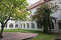 St. Blasius Regensburg Albertus-Magnus-Platz 1 D-3-62-000-24 09 Klostergarten Nord- und Ostseite Kreuzgang.jpg
