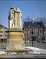 Stadhuis Exterieur met achterzijnde van beeld Grb Van Eyck - 354450 - onroerenderfgoed.jpg