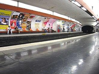 Pigalle (Paris Métro) - Image: Station Pigalle