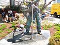 Statue azrieli.jpg