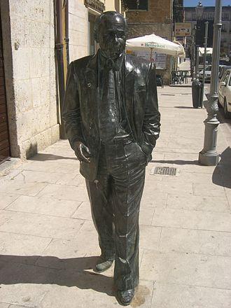 Leonardo Sciascia - His statue in Racalmuto