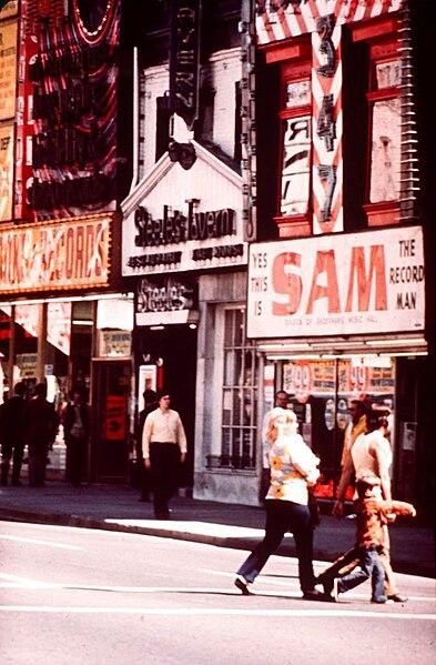 File:Steeles Tavern Sam The Record Man 1968 Toronto.jpg