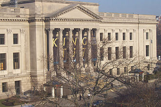Franklin Institute - Front steps, as seen from the Moore College of Art