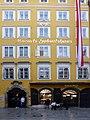 Stolperstein Salzburg, Wohnhaus Getreidegasse 11.jpg