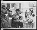 Street cobbler, Constantinople, Turkey LCCN2010650579.jpg