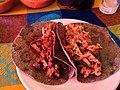 Tacos de barbacoa y carnitas.jpg