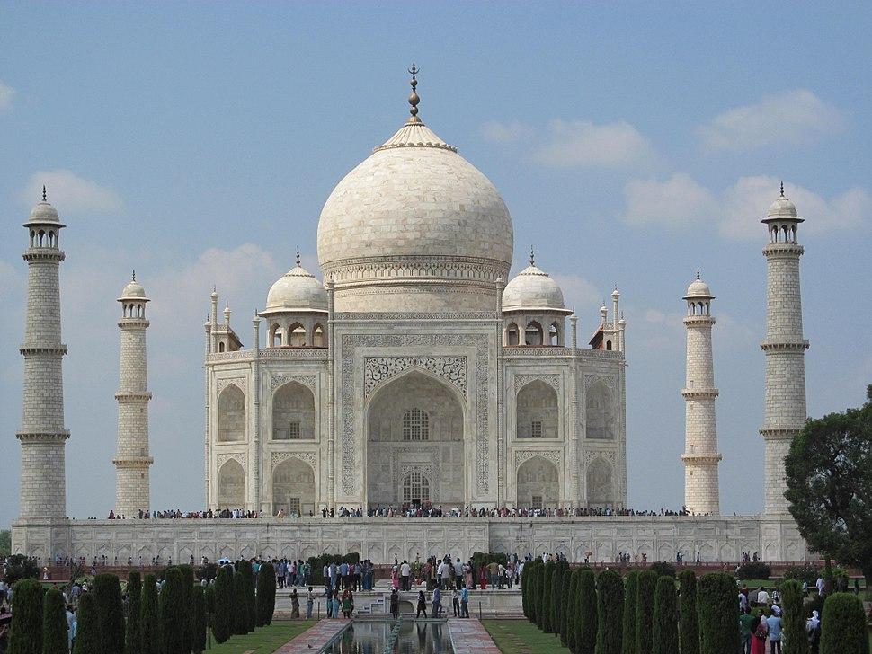 Four minarets frame the tomb.