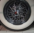 TallaBuickRoadmaster57Wheel.jpg
