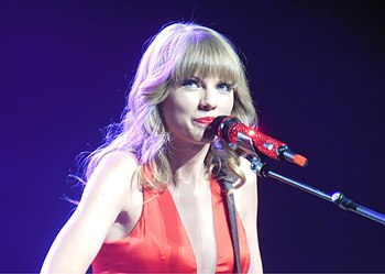 Taylor Swift - Red Tour 07.jpg