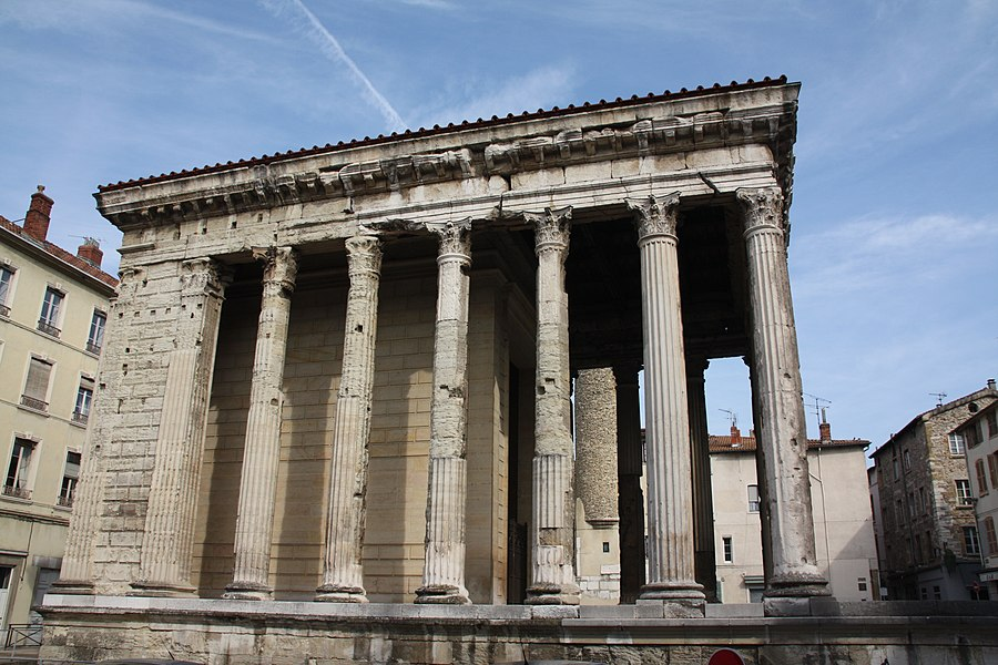 Temple d'Auguste et de Livie à Vienne, Isère, France