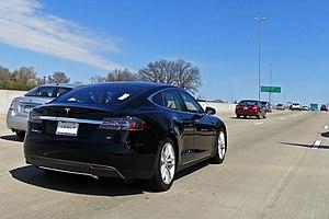 Tesla Autopilot - Image: Tesla Model S Hwy 40