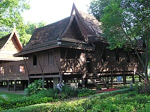Traditional Thai house - Image: Thap Khwan