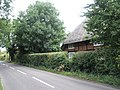 Thatched cottage in St Peter's Road - geograph.org.uk - 1419381.jpg