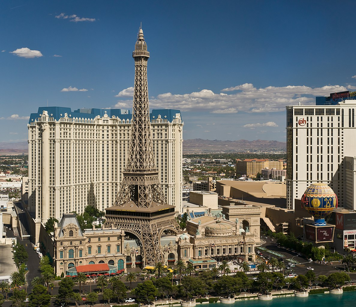 File the hotel paris las vegas as seen from the hotel the for Paris hotel original