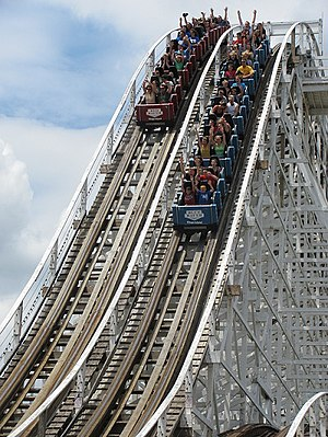 The Racer (Kings Island) - Image: The racer first drop