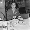 Tour de France , eerste etappe Keulen Luik, Peter Post aan de maaltijd, Bestanddeelnr 917-8913.jpg