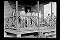 Trabalhadores, na Varanda da Delegacia de Polícia em Santo Antonio do Rio Madeira - 44, Acervo do Museu Paulista da USP.jpg