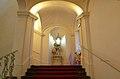 Treppenaufgang mit Nischenfiguren von Veit Königer.JPG
