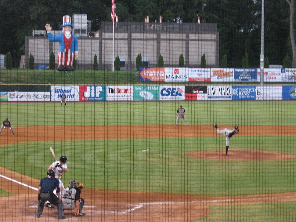 Tri-City Valley Cats baseball game (2006)